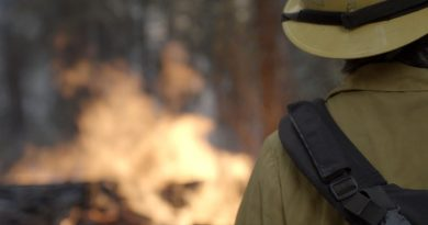A Trailblazing Wildland Firefighter Provides Training for Women
