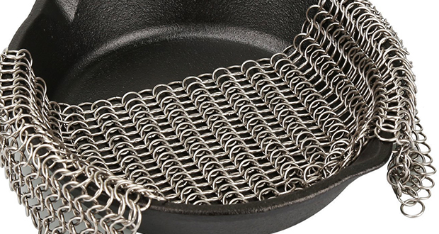 14 Essential Dutch Oven Cooking Tools