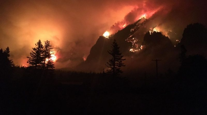More than 150 Hikers Rescued from Oregon Wildfire