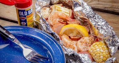 Make a Campfire Shrimp Boil In Foil
